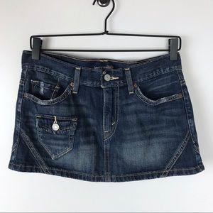 Levi juniors mini jean skirt size 3 dark wash